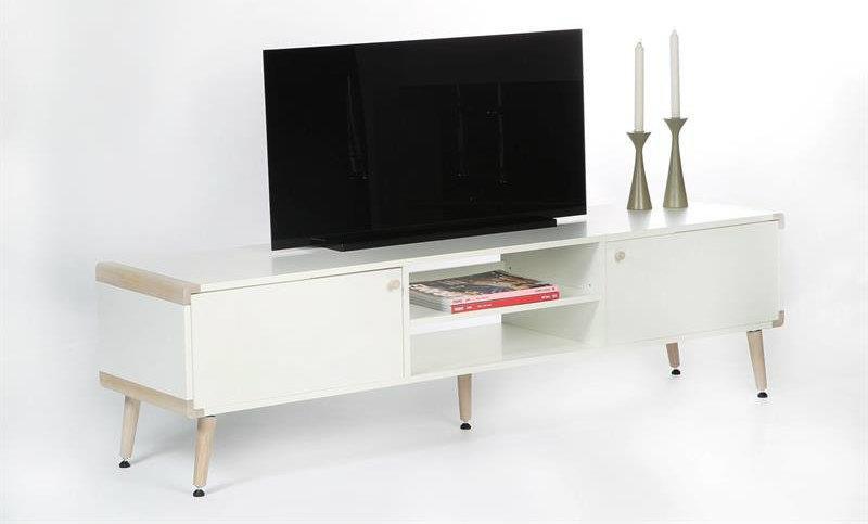 hvidt tv bord med egehj rner og ben. Black Bedroom Furniture Sets. Home Design Ideas